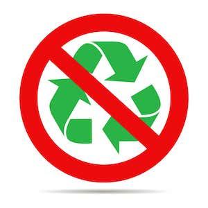 durchgestrichenes Recycling-Symbol